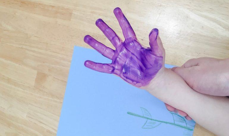 hand print flower2